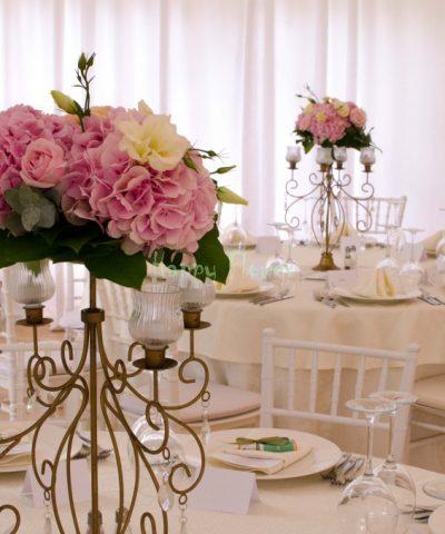 Aranjament nunta hortensii, trandafiri, lisiantus, miniroze